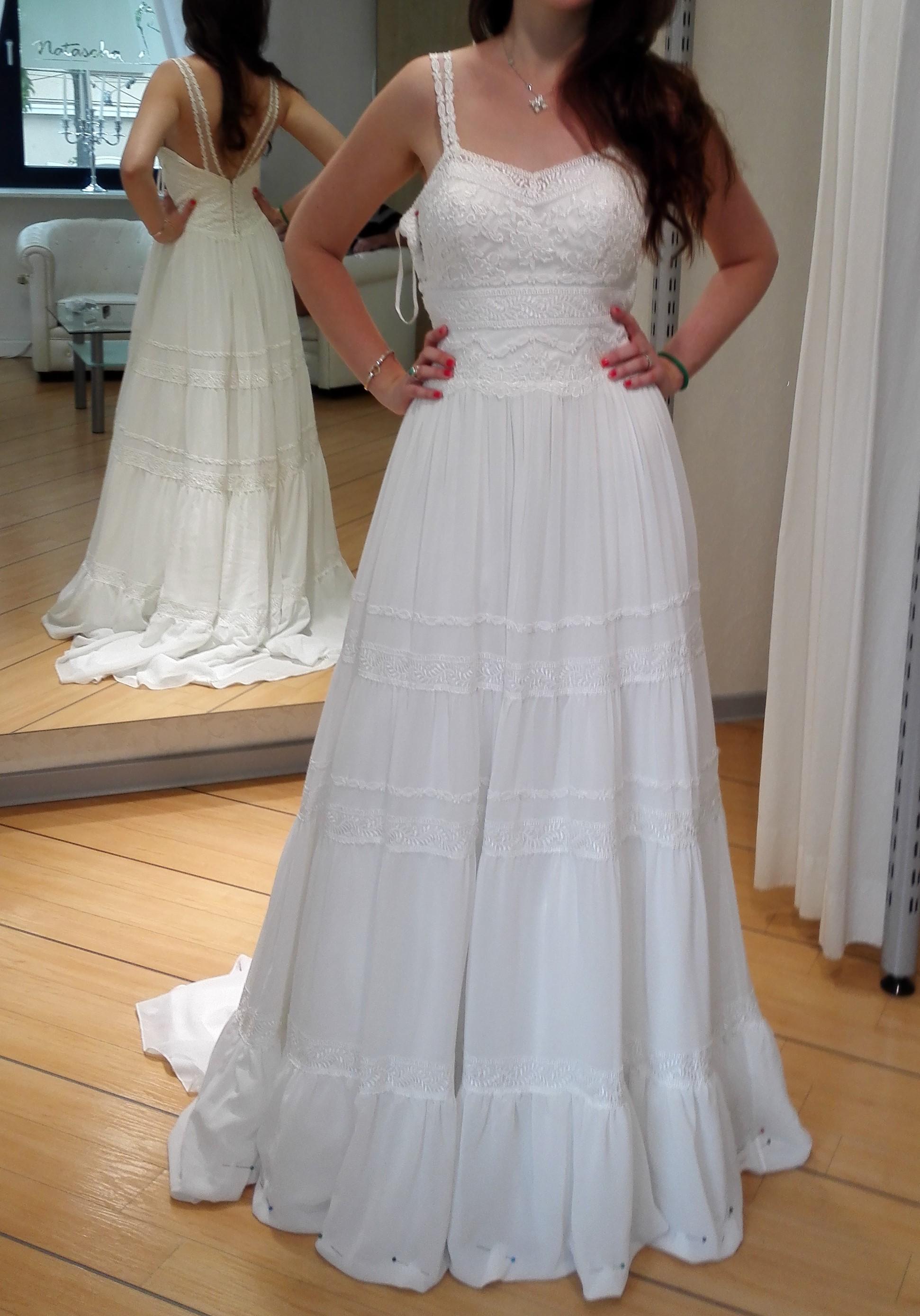 Hochzeitskleid im Vintage Stil von Lillian West | Brautkleid Verkaufen