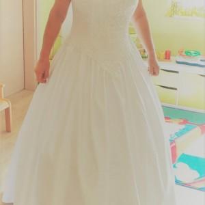 Kleid von vorn